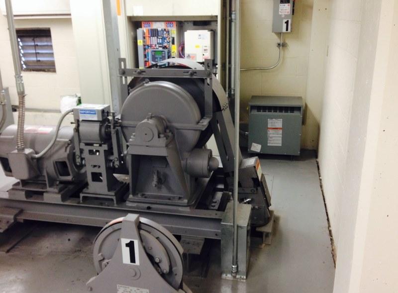 ابعاد موتورخانه آسانسور,استاندارد موتورخانه آسانسور,تهویه موتورخانه آسانسور
