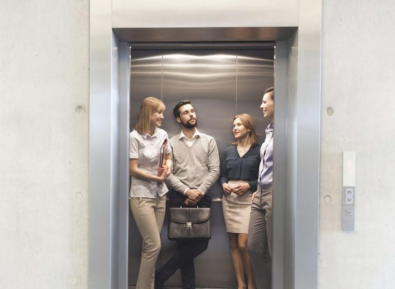 نکات درب آسانسور,استاندارد درب آسانسور,انواع درب آسانسور