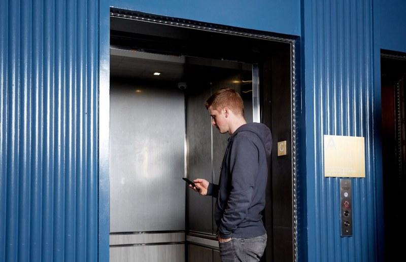 استانداردهای آسانسو,انواع آسانسور,ساخت آسانسورهای چرخ دنده ای