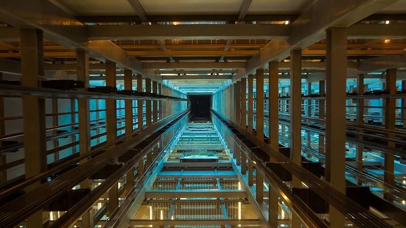 سقوط آسانسور,لحظه سقوط آسانسور,نکات ایمنی لحظه سقوط آسانسور