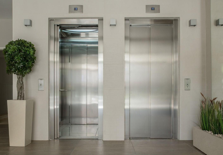پله برقی و آسانسور,خطر آسانسور,خطرات آسانسور