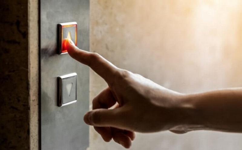 نجات از آسانسور,آموزش نجات از آسانسور,خطرات آسانسور